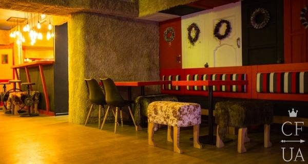 Интерьер Red Doors Bar